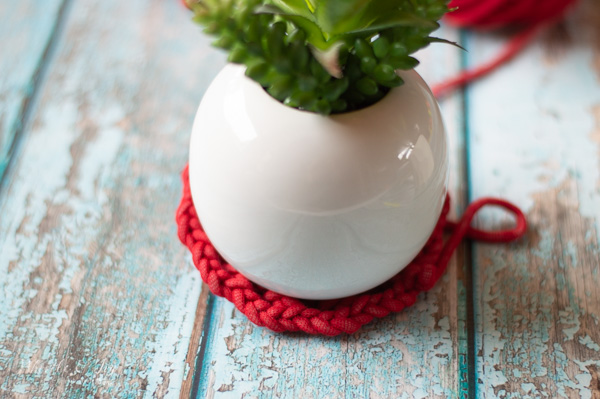 measuring crochet plant hanger