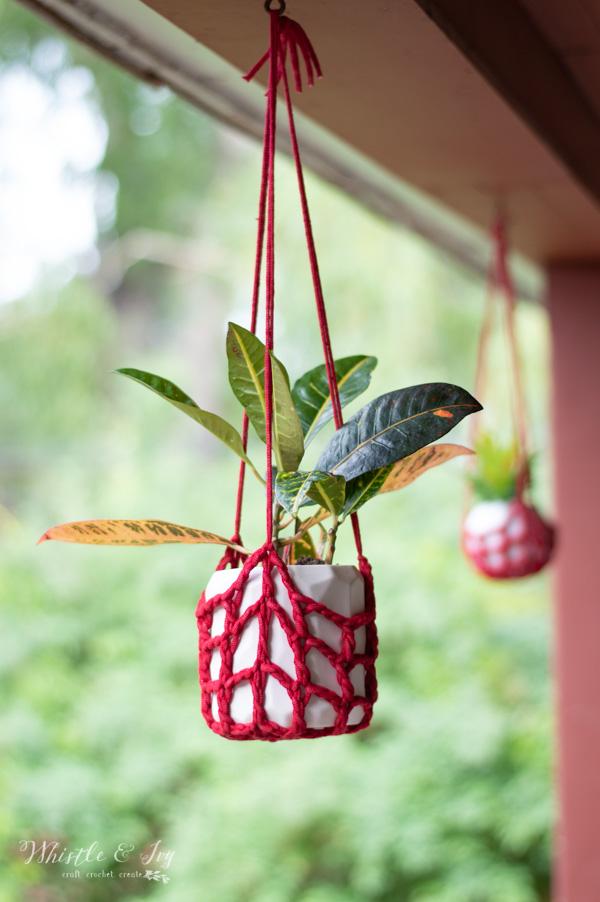 Crochet Plant Hanger - Free Crochet Pattern