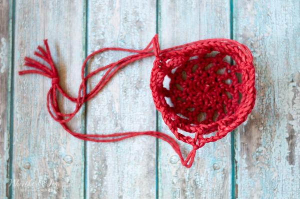 red crochet plant hanger free crochet pattern