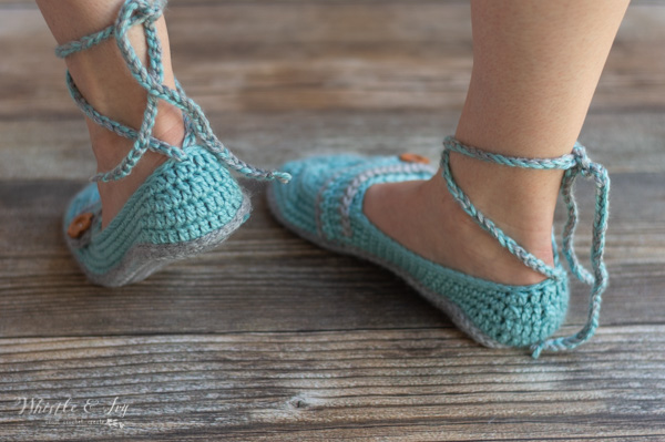 ankle tie slippers free crochet pattern