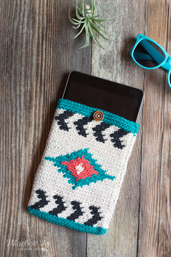 Southwest Style Crochet Tablet Pouch - Free Crochet Pattern