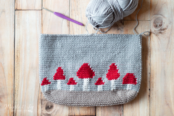 crocheted mushroom pouch pattern