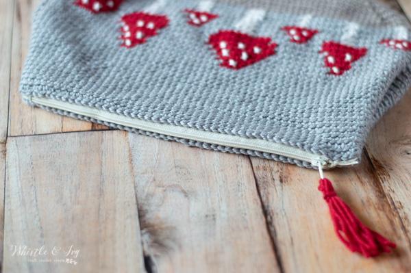 sewn zipper on crochet mushroom pouch