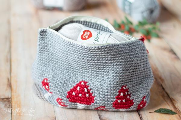 crochet mushroom pouch free crochet pattern