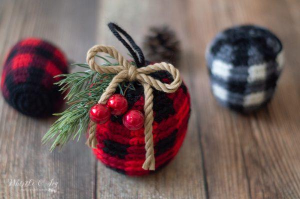 buffalo plaid ornaments with embellishments crochet pattern