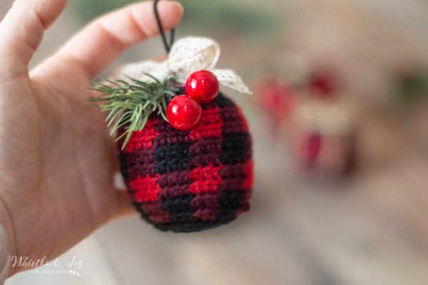 crochet buffalo plaid ornaments free crochet pattern