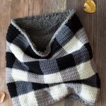 EASY Crochet Plaid Sheepskin Cowl – Free Crochet Pattern