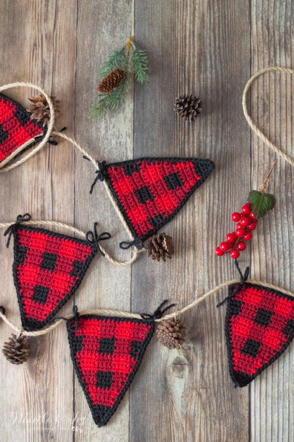 crochet buffalo plaid garland bunting crochet pattern