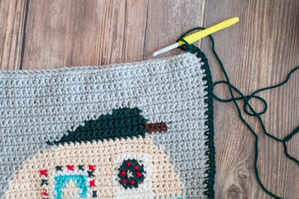 crochet camper pillow Christmas holiday free crochet pattern