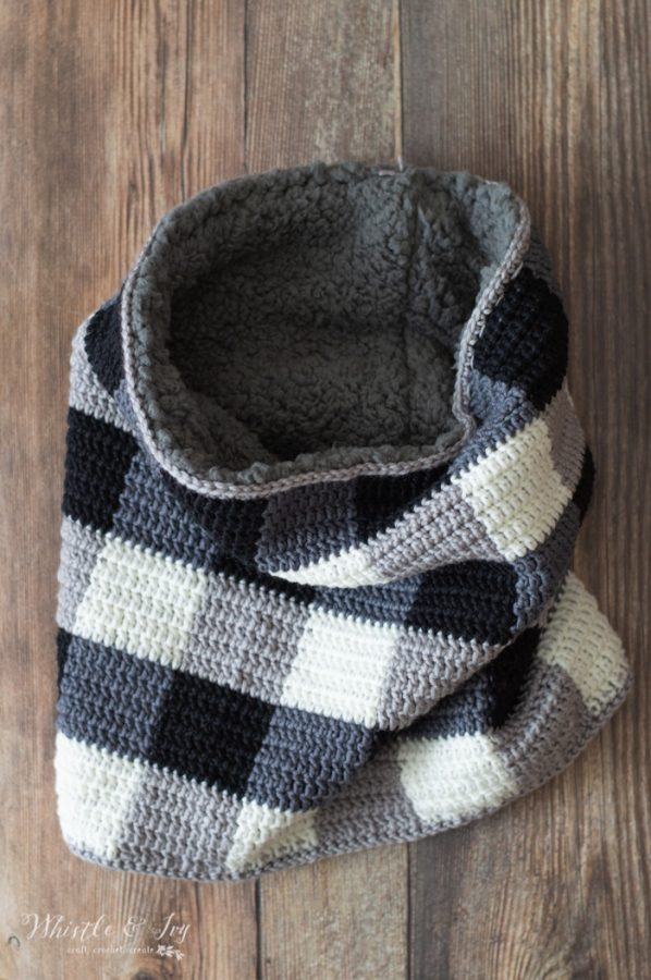 crochet pattern black and white buffalo plaid cowl free pattern