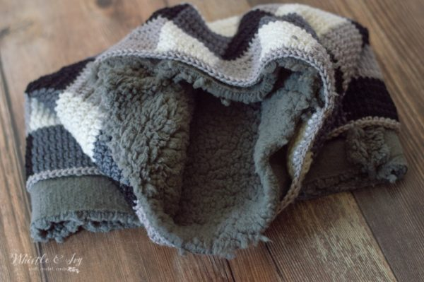 lining crochet buffalo plaid cowl