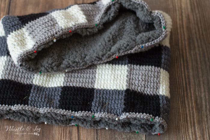 how to line a crochet cowl