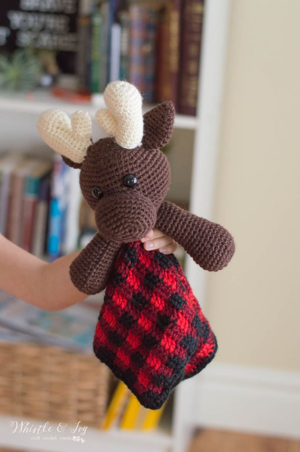 crochet pattern for cute moose lovey with buffalo plaid blanket