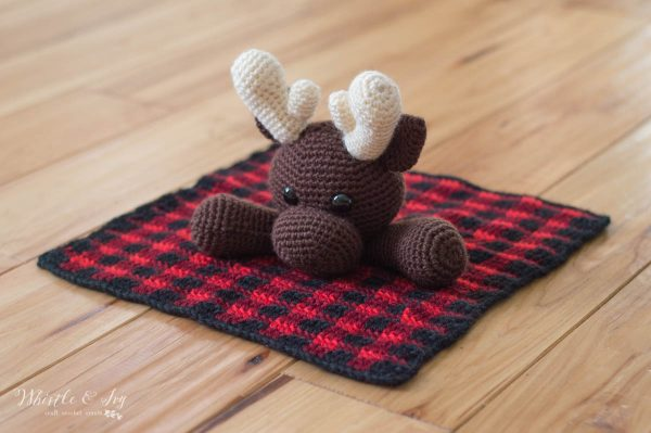 moose lovey plaid crochet pattern