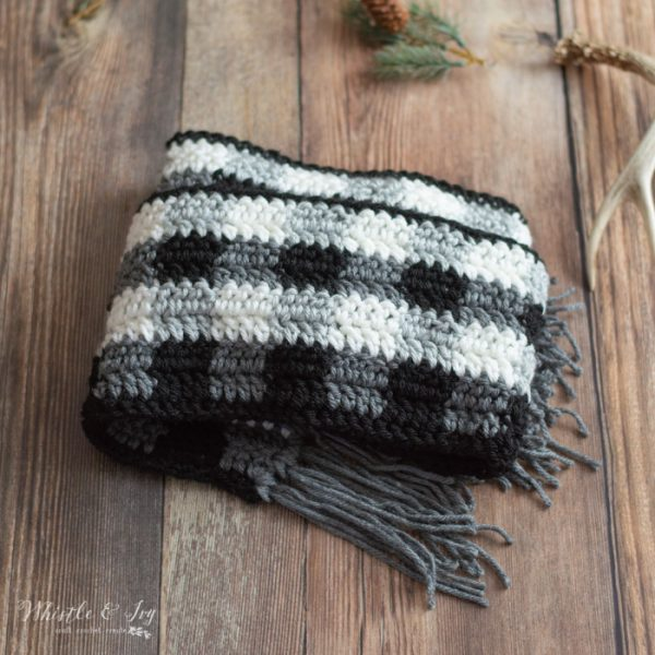 free crochet pattern black and white buffalo plaid scarf