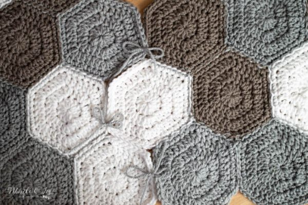 chunky yarn crochet tree skirt free pattern easy pattern