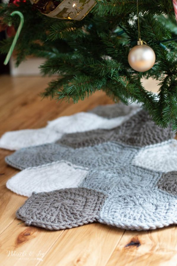 free crochet pattern hexagon tree skirt with chunky yarn