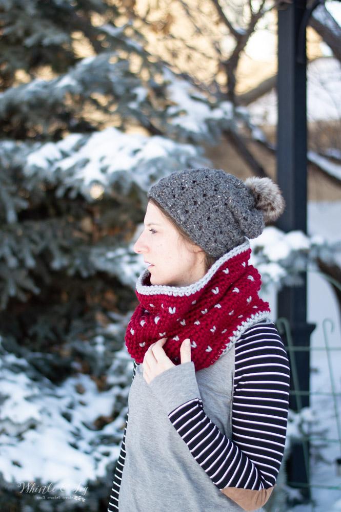 Chunky Snowfall Fair Isle Cowl - Free Crochet Pattern
