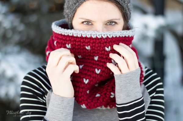 free crochet pattern burgundy fair isle cowl with gray hearts