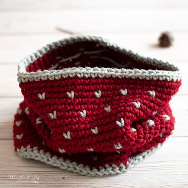 chunky cowl with fair isle pattern free crochet pattern