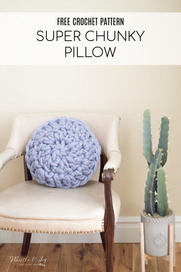 Round Super Chunky Crochet Pillow - Free Crochet Pattern