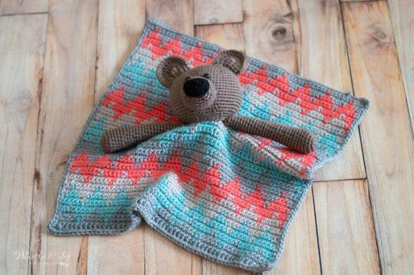 cute crochet bear lovey with chevron blanket crochet pattern