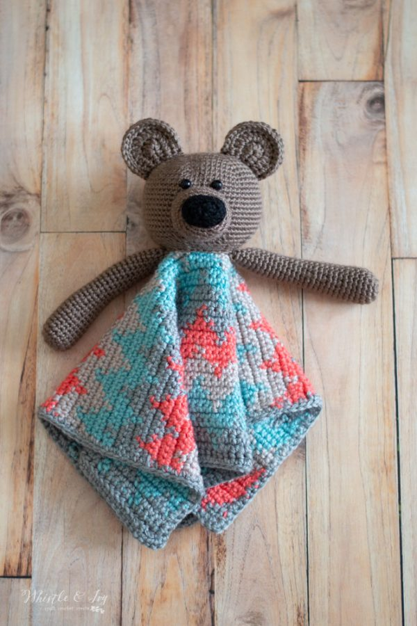 adorable teddy bear lovey crochet pattern with colorful blanket