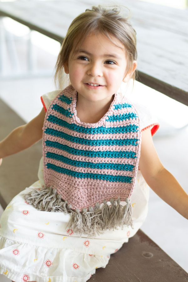 modern crochet bib for toddler stripes with fringe crochet pattern