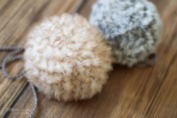 how to crochet a fur pom pom ways to make pom poms