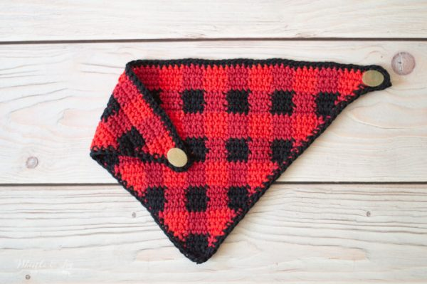 crochet plaid bandana bib free crochet pattern lumberjack buffalo plaid
