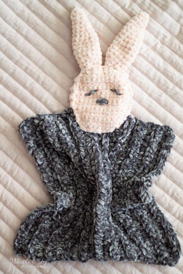 soft crochet velvet bunny lovey free crochet pattern