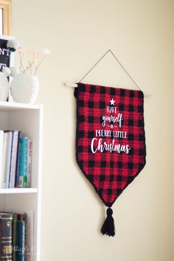 crochet wall hanging Christmas holiday buffalo plaid free crochet pattern