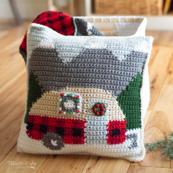 free crochet pattern plaid camper pillow trailer