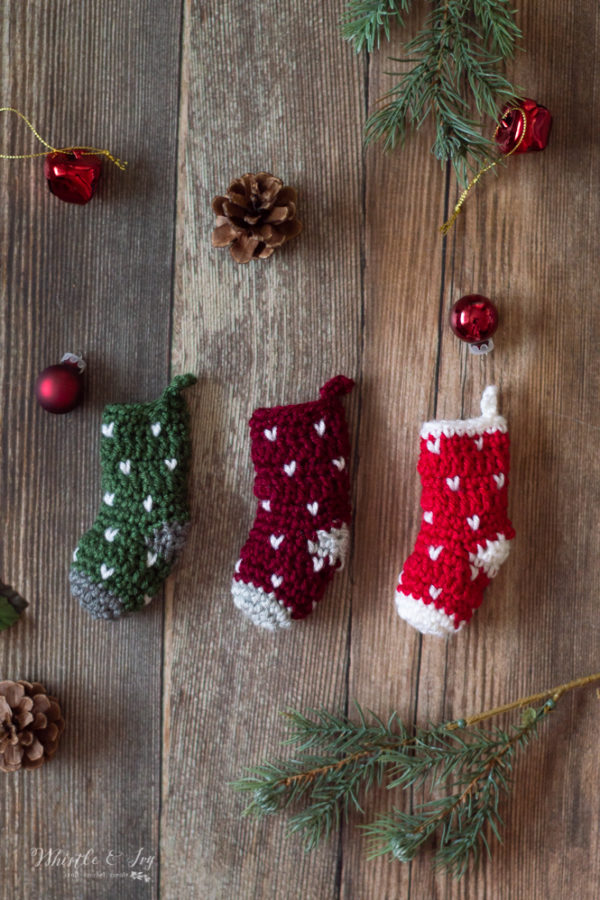 mini knit stitch crochet stocking free crochet pattern snowfall