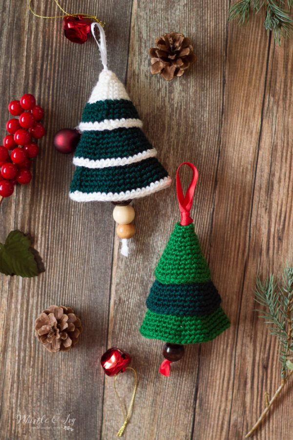 crochet tree shaped ornament free crochet pattern for Christmas