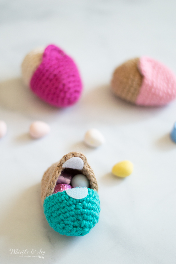 fillable crochet Easter eggs crochet pattern , eggs that opens handmade crochet Easter egg