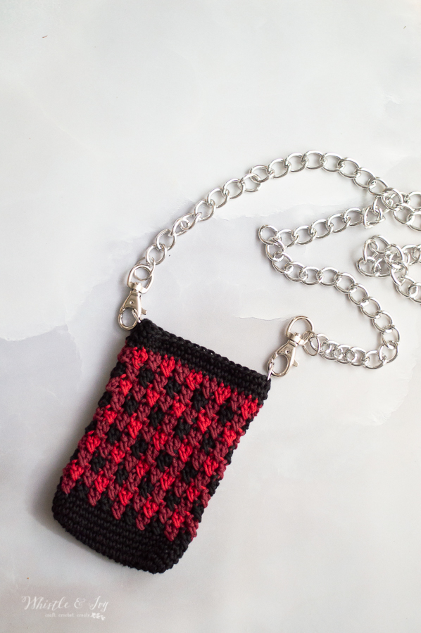 crochet mini shoulder bag crochet pattern pretty stitch buffalo plaid colors gifts for teens and tweens bag for phone metal chain strap