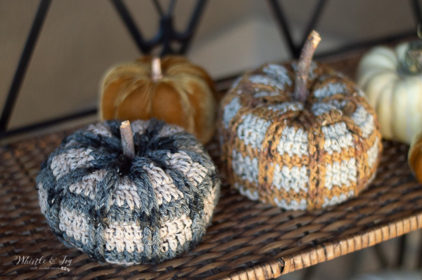 cute fall crochet pumpkins with crochet plaid tartan color work crochet pattern