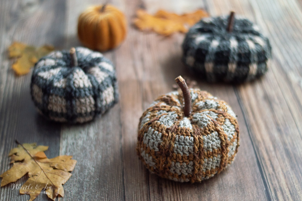 crochet plaid pumpkins tartan plaid pumpkin pattern cute crochet fall decor for thanksgiving and halloween