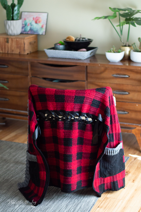 convertible shawl scarf buffalo plaid crochet pattern