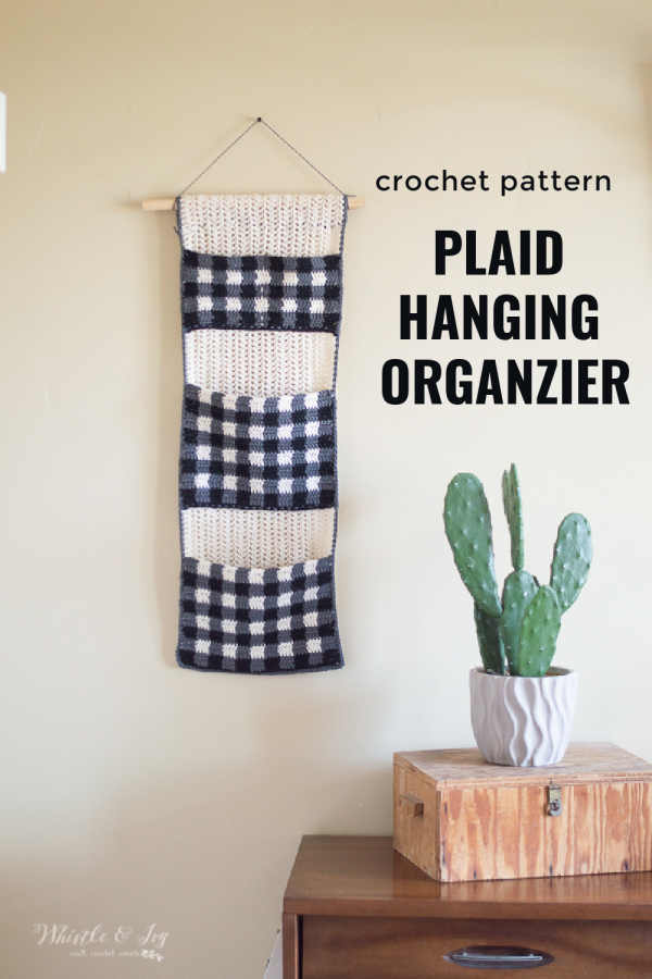 crocheting hanging organizer pocket organizer crochet pattern with plaid pockets