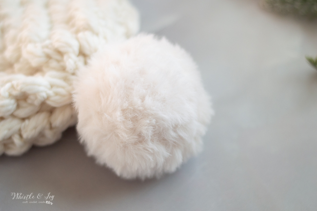 white faux fur crochet pom-pom for winter hat fall hat