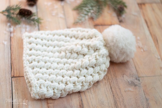 pretty crochet puff stitch pattern crochet pattern winter hat fall hat faux fur pom-pom