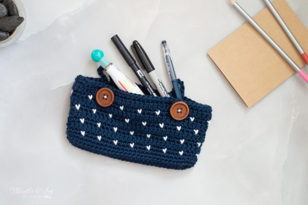cute pencil pouch crochet pattern free pencil case knit-look stitch