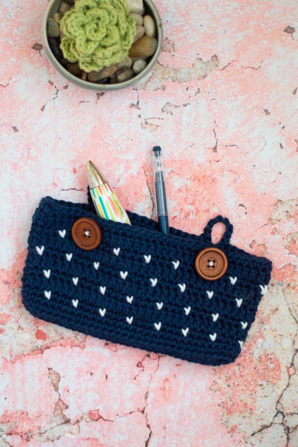 crochet pencil pouch free crochet pattern knit stitch cute pencil case