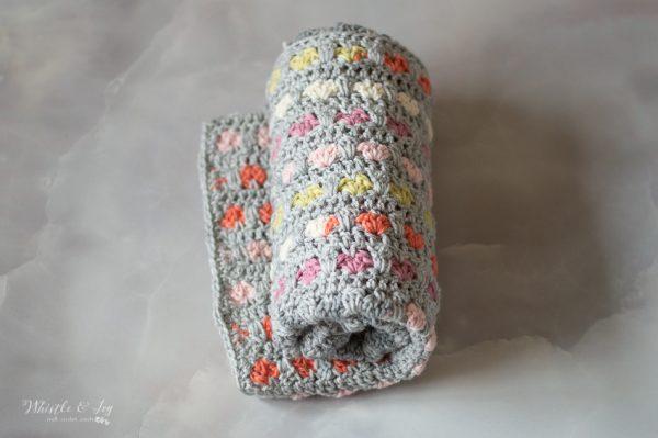 crochet heart blanket pattern Valentine's Day project pattern