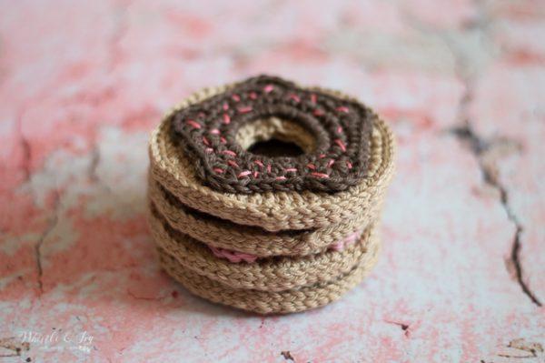 crochet donut coaster crochet pattern crochet doughnut pattern sprinkles