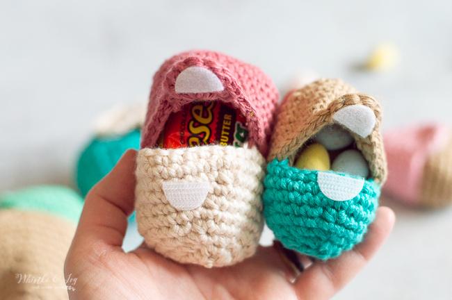 crochet Easter egg pattern fillable egg pattern for treats and egg hunts