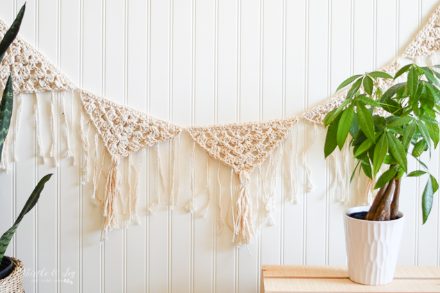 boho crochet garland crochet pattern granny stitch granny triangle fringe garland bunting crochet pattern