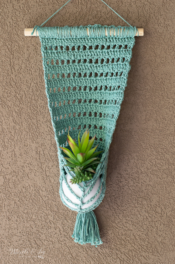 faux macrame wall hanging planter crochet pattern summer crochet idea